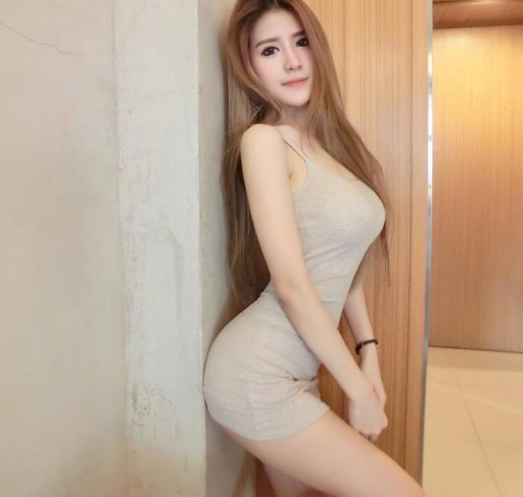 为什么时装周女模特都不穿内衣?是为了搭配的衣服更好看?